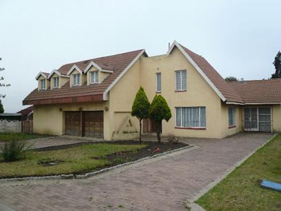 Standard Bank Repossessed 5 Bedroom House for Sale For Sale in Kinross - MR42469