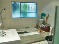 Main Bathroom - 7 square meters of property in Buccleuch