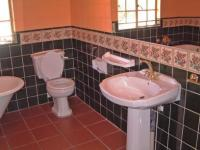 Main Bathroom - 5 square meters of property in Austin View