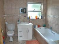 Bathroom 1 - 5 square meters of property in Sydenham - JHB
