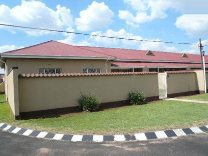 4 Bedroom Simplex For Sale in Germiston - Private Sale - MR43421