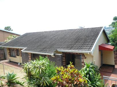 Standard Bank Repossessed 3 Bedroom House For Sale in Wentworth  - MR43445