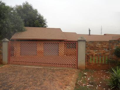 Standard Bank Repossessed 3 Bedroom House For Sale in Dalpark - MR43467