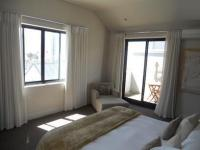 Main Bedroom - 25 square meters of property in Hermanus