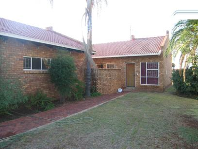 3 Bedroom House for Sale For Sale in Doornpoort - Home Sell - MR44118