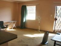 Lounges - 15 square meters of property in Weltevreden Park