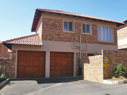 3 Bedroom Duplex For Sale in Midrand - Private Sale - MR44264