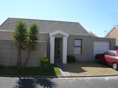2 Bedroom House for Sale For Sale in West Riding - CPT - Home Sell - MR44275