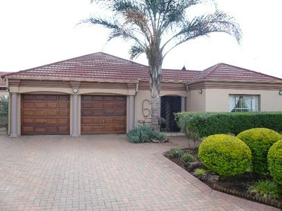 3 Bedroom House for Sale For Sale in Eldoraigne - Private Sale - MR44331