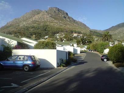 2 Bedroom Cluster to Rent in Hout Bay   - Property to rent - MR44415