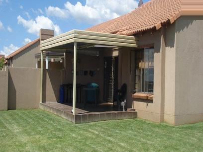 2 Bedroom Simplex for Sale For Sale in Mooikloof Ridge - Home Sell - MR44476