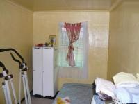 Bed Room 1 - 6 square meters of property in Beroma