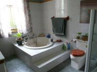 Main Bathroom - 13 square meters of property in Muckleneuk