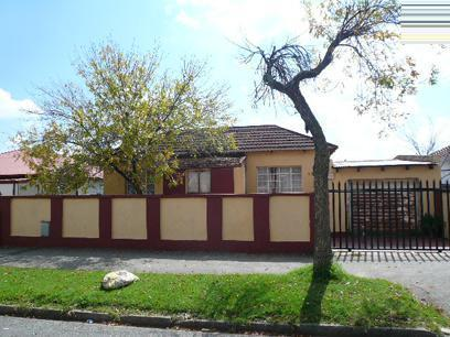 Standard Bank Repossessed 3 Bedroom House on online auction in Turffontein - MR45451