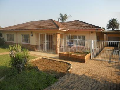 Standard Bank Repossessed 3 Bedroom House on online auction in Klerksdorp - MR45469