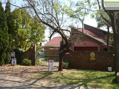 4 Bedroom House for Sale For Sale in Rooihuiskraal - Private Sale - MR46263