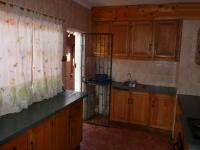 Kitchen - 8 square meters of property in Valhalla