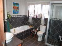 Bathroom 1 - 10 square meters of property in Thatchfields