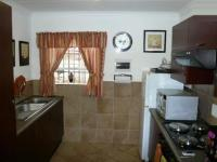 Kitchen - 7 square meters of property in Karenpark