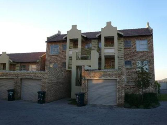 2 Bedroom Simplex to Rent in Raslouw - Property to rent - MR46363