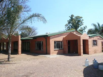 Standard Bank Repossessed 5 Bedroom House on online auction in Pretoria North - MR46466