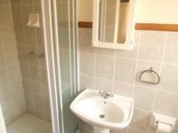 Bathroom 2 - 3 square meters of property in Sunninghill