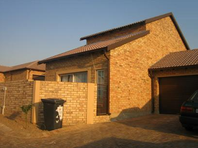 3 Bedroom Duplex for Sale For Sale in Amberfield - Private Sale - MR47114