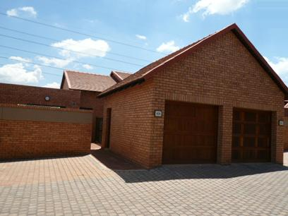 2 Bedroom Retirement Home For Sale in Newlands - Home Sell - MR47285