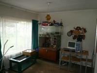 Bed Room 1 - 18 square meters of property in Booysens