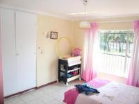 Bed Room 2 - 15 square meters of property in Karenpark