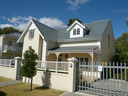 Standard Bank Repossessed 2 Bedroom Simplex for Sale For Sale in Stellenbosch - MR47441