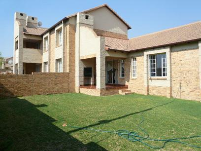 3 Bedroom Simplex for Sale For Sale in Midrand - Private Sale - MR47511