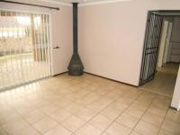 Main Bedroom - 22 square meters of property in Barbeque Downs
