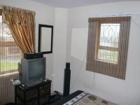 Bed Room 1 - 12 square meters of property in Bellville