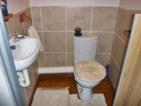 Bathroom 1 - 1 square meters of property in Weltevreden Park