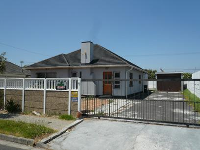 Standard Bank Repossessed 4 Bedroom House For Sale in Thornton - MR48449