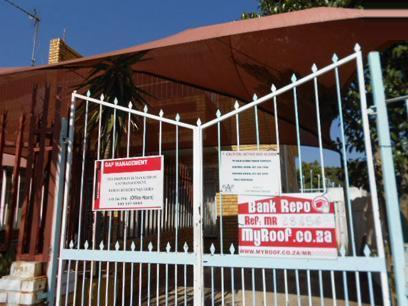 Standard Bank Repossessed 2 Bedroom House for Sale on online auction in Forest Hill - JHB - MR48454