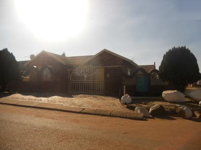 Standard Bank Repossessed 3 Bedroom House for Sale For Sale in Evaton - MR48461