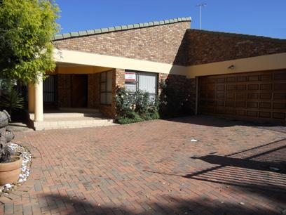 Standard Bank Repossessed 3 Bedroom Cluster For Sale in Boksburg - MR48483