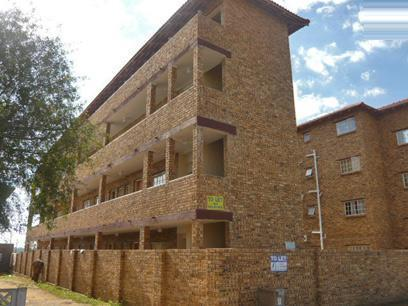 1 Bedroom Apartment for Sale For Sale in Randfontein - Private Sale - MR49333