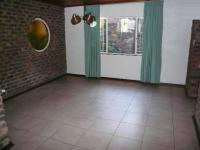 Dining Room - 15 square meters of property in Florauna