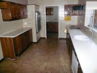 Kitchen - 29 square meters of property in Florauna