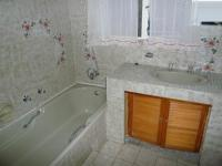 Bathroom 1 - 7 square meters of property in Florauna