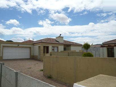 Standard Bank Repossessed 3 Bedroom House for Sale For Sale in Kuils River - MR49446