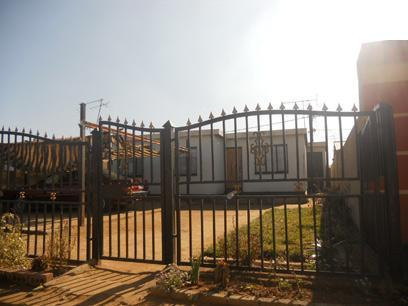 Standard Bank Repossessed 3 Bedroom House for Sale For Sale in Etwatwa - MR49456