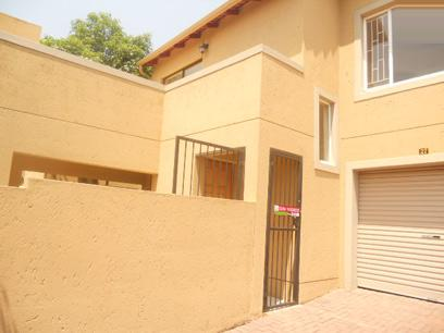 Standard Bank Repossessed 3 Bedroom Simplex for Sale For Sale in North Riding A.H. - MR49463