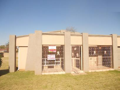 Standard Bank Repossessed 3 Bedroom House for Sale on online auction in Sonland Park - MR49468