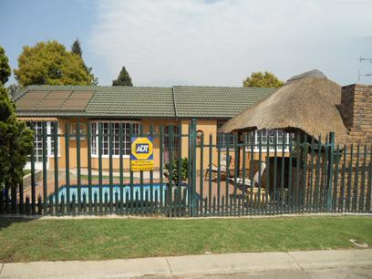 Standard Bank EasySell 3 Bedroom Simplex For Sale in Rynfield - MR49527