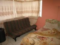Lounges - 14 square meters of property in Sunnyside