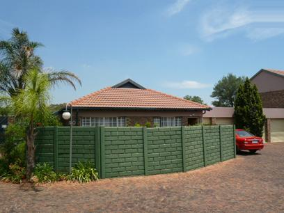 2 Bedroom Simplex for Sale For Sale in Rietfontein - Private Sale - MR50282